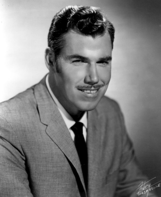 Slim_Whitman_1968.JPG