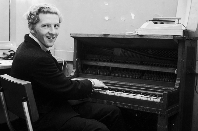Jerry-Lee-Lewis-paino-dressing-room-1958-billboard-650.jpg