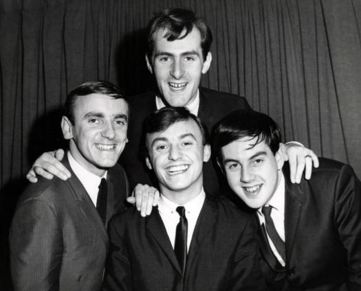 Gerry_and_the_Pacemakers_group_photo_1964.JPG
